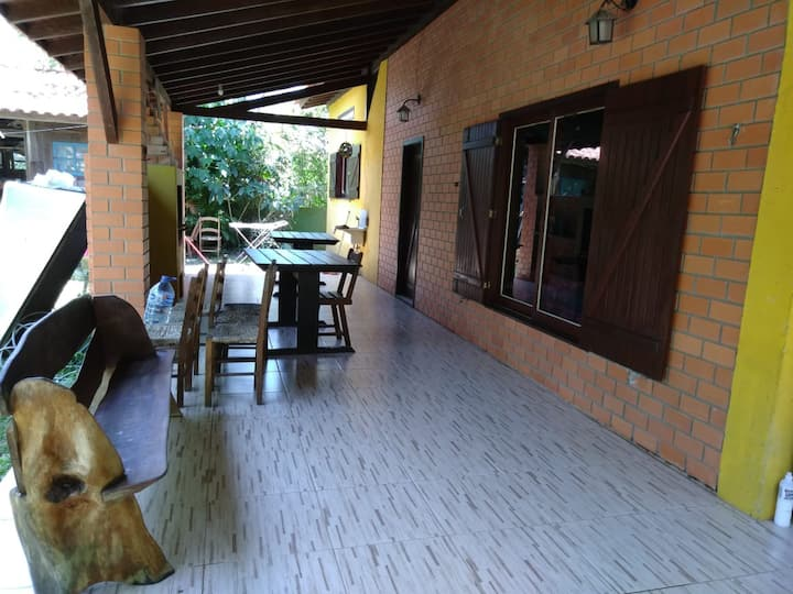 Casa grande a 200 mts/mar- P. da Ferrugem/Garopaba