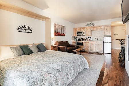 Long Term Lease OK Trail Side-Clean-Quiet-King Bed