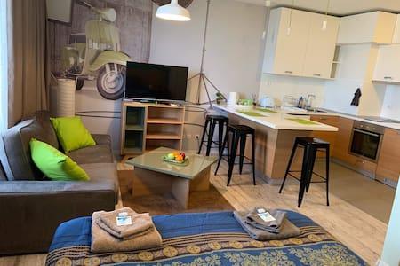 Luxury Studio. Free Parking Space