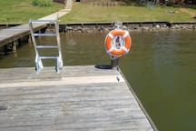 Deepwater dock / dock with ladder and new cleats