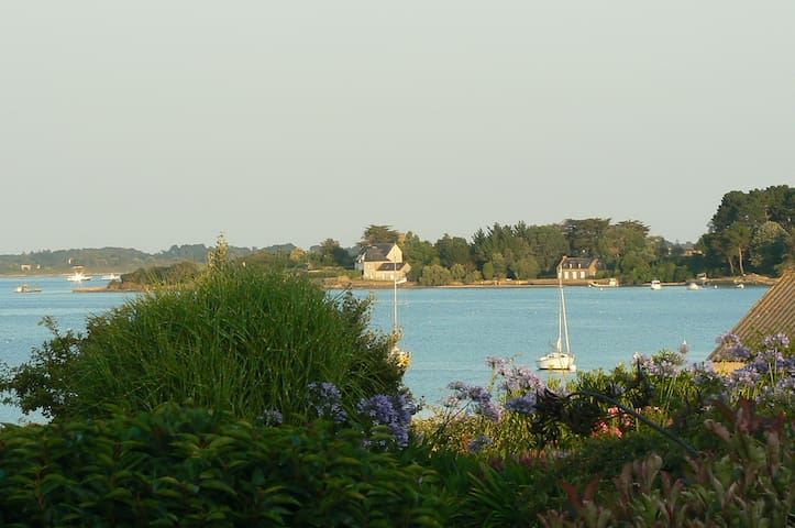 "Vue Golfe , calme "" Les Toiles de Mer"" , ch. Mer"
