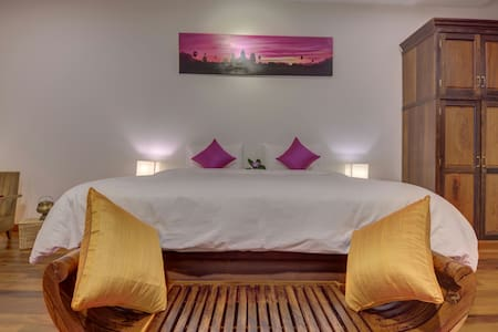 The Pink Room & Homestay + Pick Up - Krong Siem Reap