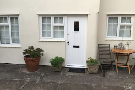 Hidden gem, spacious apartment suitable up to 6 - Stratford-upon-Avon