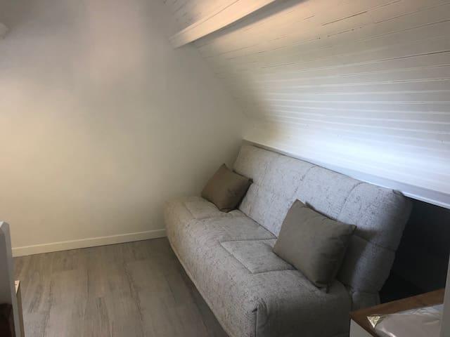 Palier/chambre 2 avec canapé-lit (130cm)