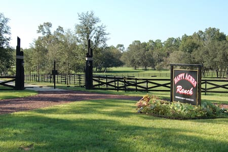 Happy Trails Lodge, SLEEPS 6, RIDE OUR HORSES - Dunnellon