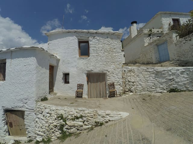Airbnb Atalbéitar Vacation Rentals Places To Stay