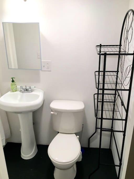Clean Big bathroom