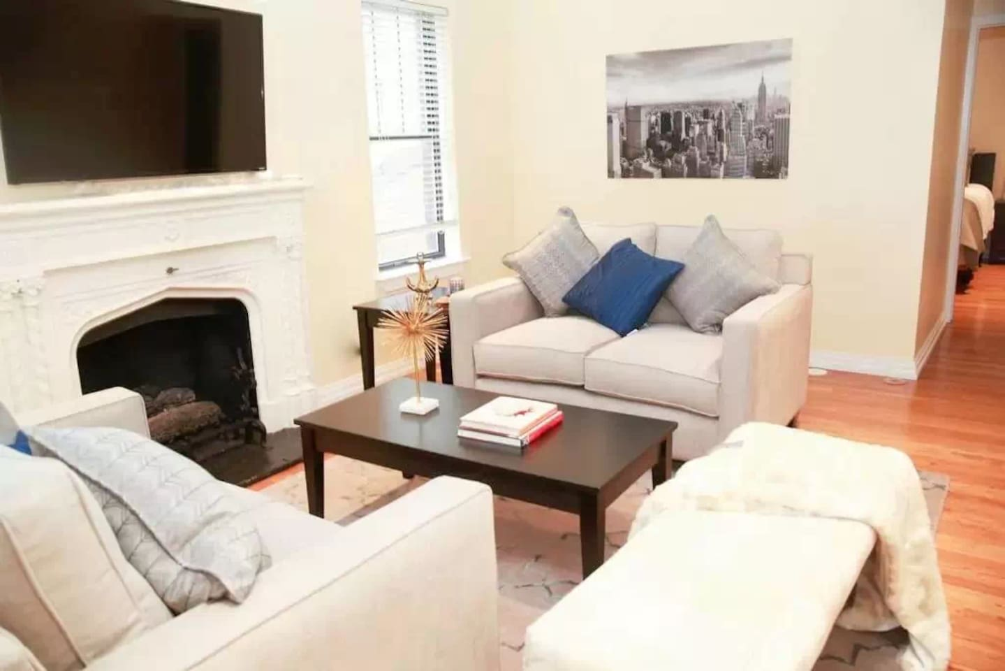 Gold Coast Penthouse (2 BR/2 Bath) - Apartments for Rent in Chicago ...