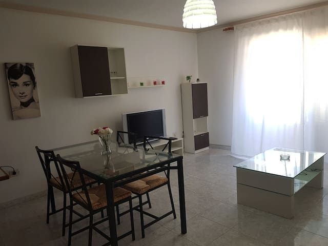 APARTMENT 50MTS FROM BEACH IN EL MEDANO