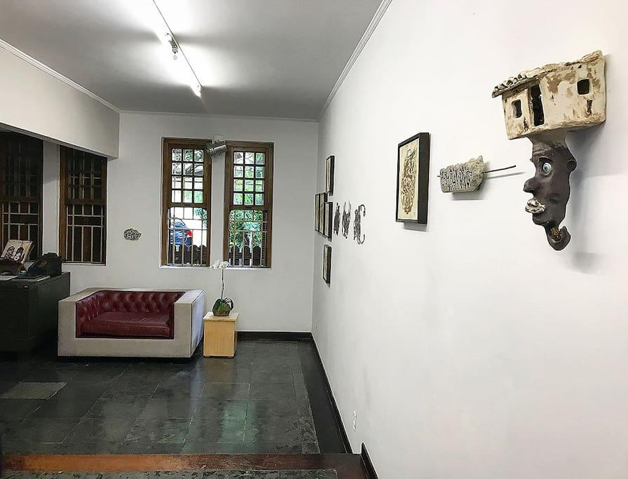 Living room - Art Gallery