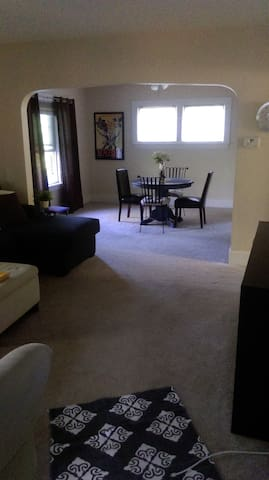 Lakewood Duplex Available for RNC - Lakewood - Apartamento