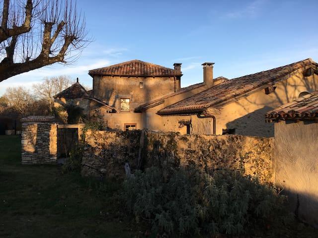 Charme dans le Périgord Dordogne - Saint-Maime-de-Péreyrol - Дом