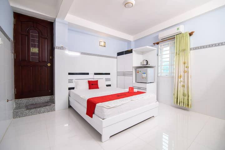 Cozy Modern Room Near Russian Market