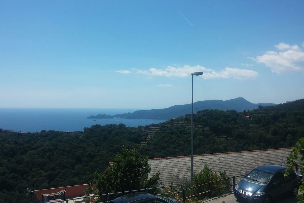 Posizione casa con vista su Portofino (location of the house with view of Portofino)