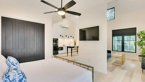 Savvy Suite King studio #3 No Cleaning Fee
