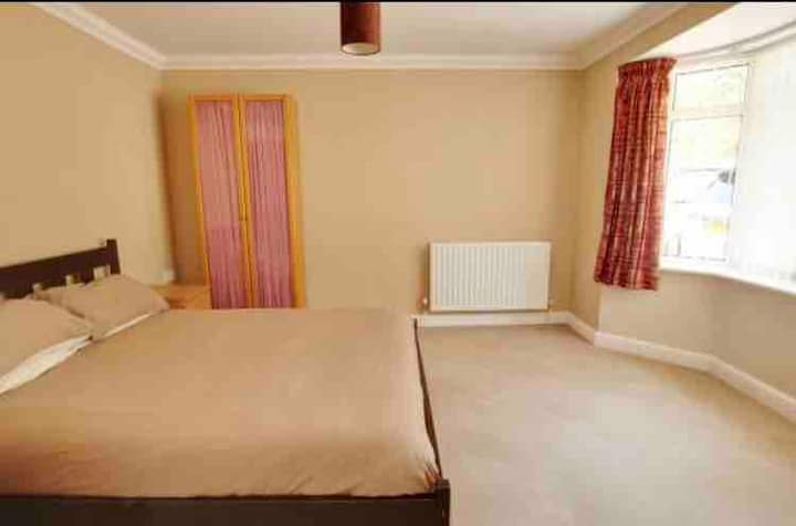 Double Room on the outskirts of the New Forest