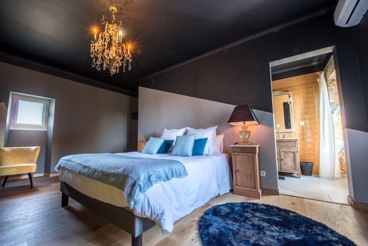 Chambre du Poète, chambre d'hôte de prestige Drôme