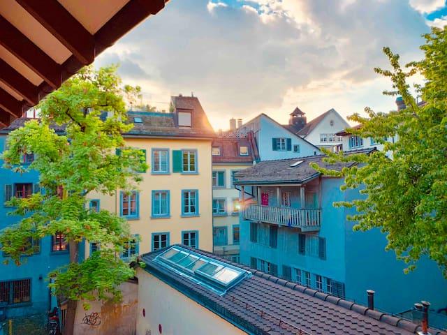 Heart Old Town 2min to river/lake -Downtown Zürich