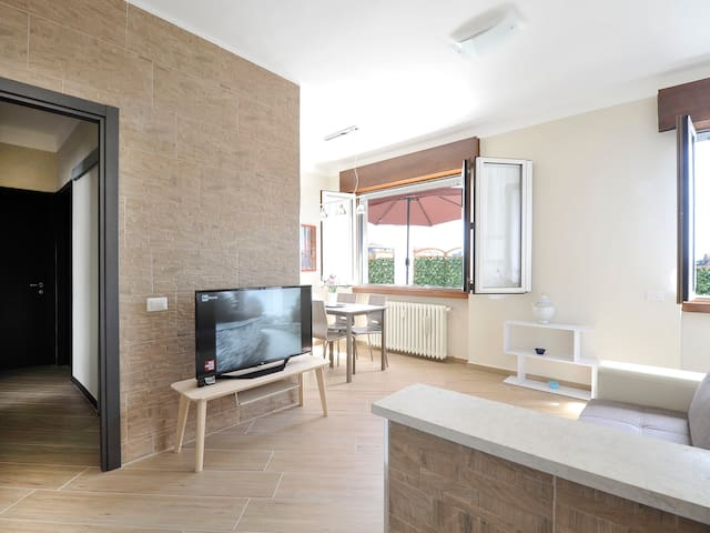 Two-bedroom with large terrace, Primaticcio 81378