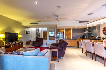Luxury Golf course lifestyle - Hope Island - Řadový dům