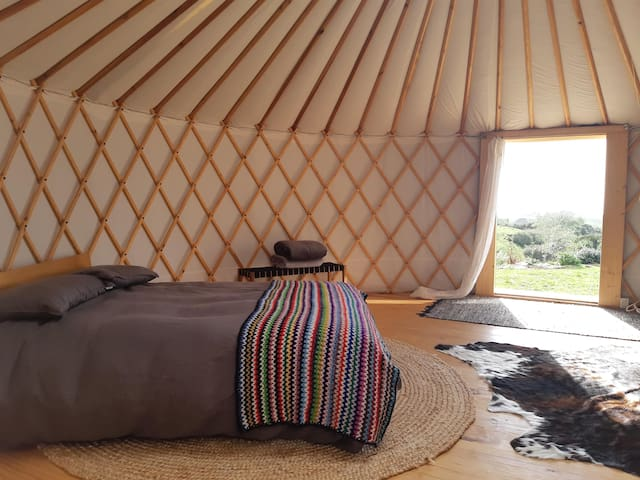 glamping in raglan | off-grid getaway with kitchen