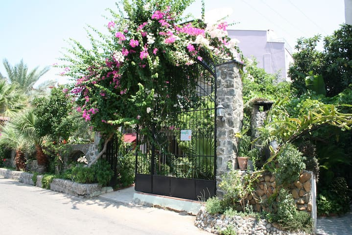 MARMARİS-TROPIC MARINA APART - Marmaris - Apartemen