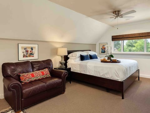 King bed, detached private and spacious studio.