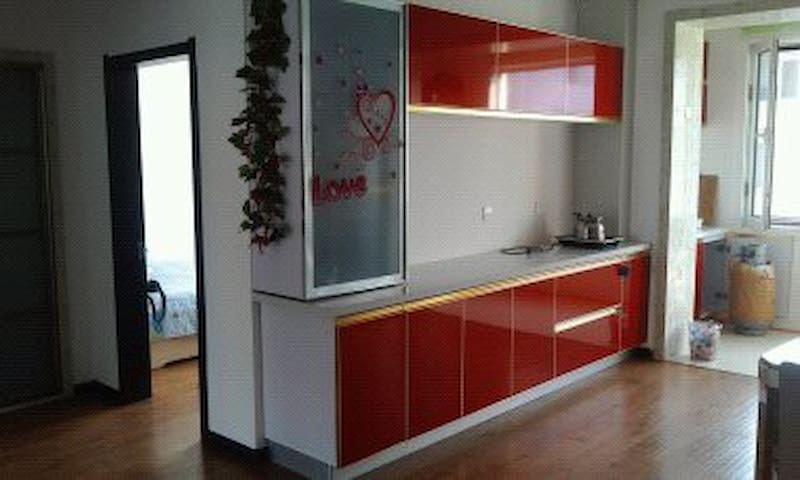 家乐福、春华海鲜自主城附近的精品两室两厅日租房 - Yingkou Shi - Lägenhet