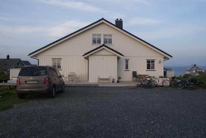 Alnes, Godøya - Alnes - Ev
