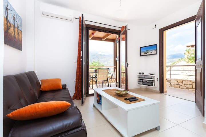 Cozy house with amazing view to Georgioupoli.