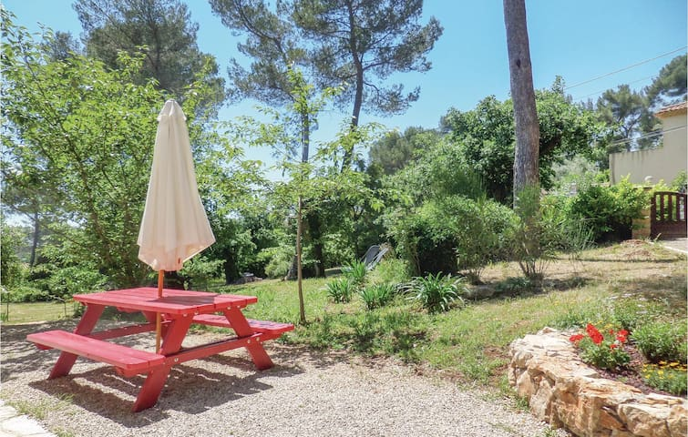 Holiday cottage with 2 bedrooms on 65m² in St Paul de Vence