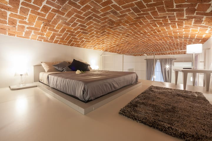 - NUVOLA HOME - Very Central Loft up to 6 people