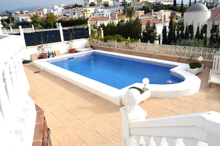 Apt. in Valle Niza private pool close to the beach