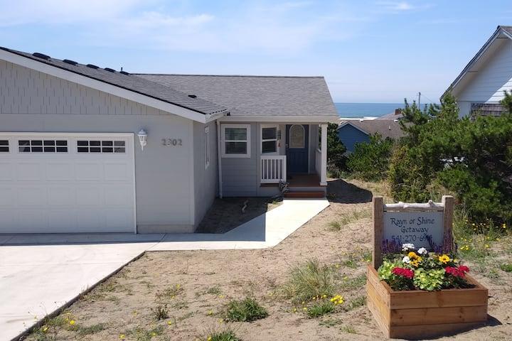 Rayn or Shine Getaway - Ocean view, pet friendly