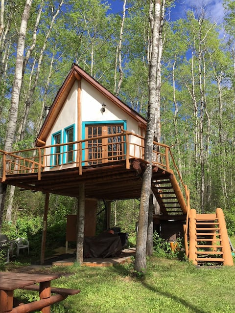 Hidden Treehouse Chalet