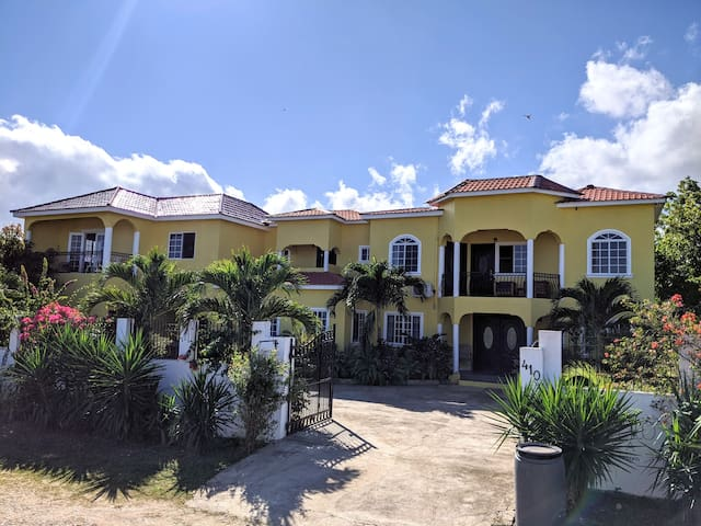 Pimento Villa