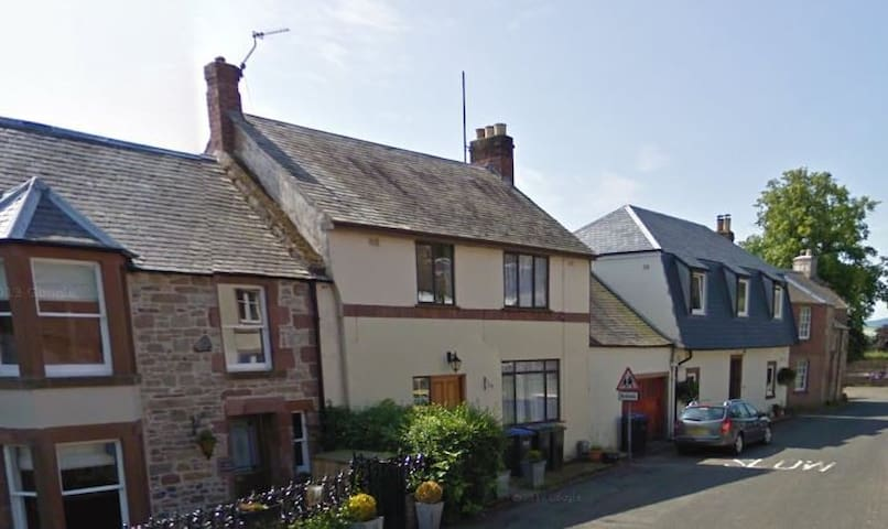 Entire gorgeous home in the heart of the village - Ancrum - Rumah