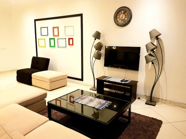 Huge Designer 1 Bed Serviced Apartment.