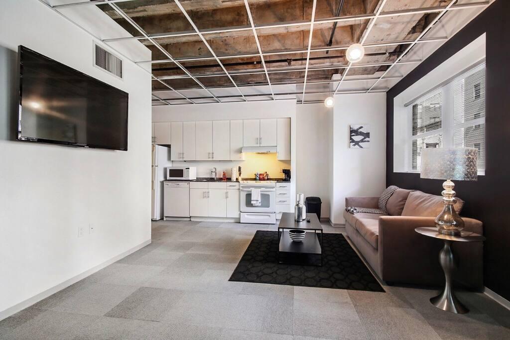 Living room with large flatscreen tv!