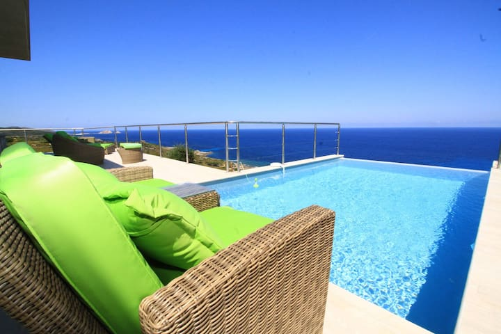 Villa Capicciolo, heated pool, sea view - Belgodère - Villa