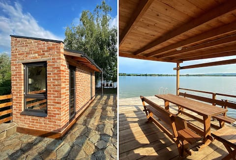Danube Microhouse and Water Dock Unique Experience