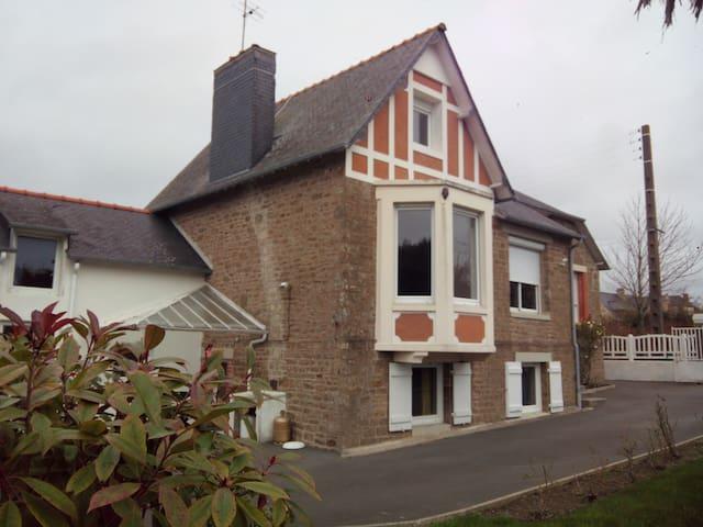 Jolie villa ac jardin proche plage - Lancieux - Villa