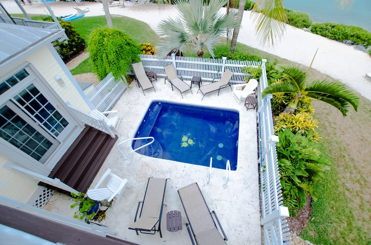 3/3 Village at Hawks Cay 5004 - TROPICAL SUN & FUN