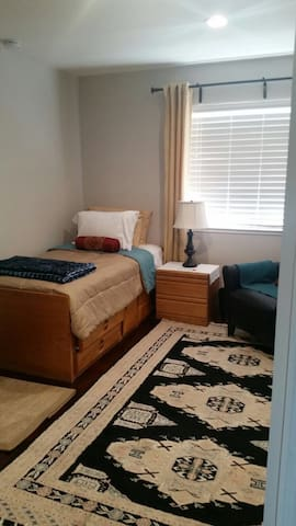 Cozy Room for rent in union city