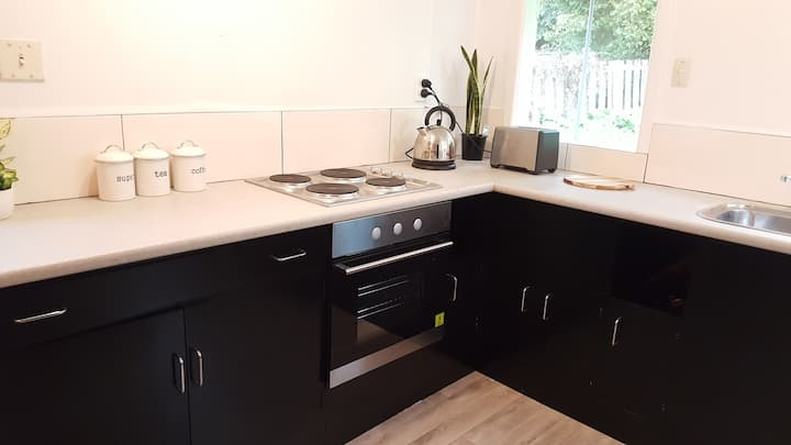 Roxburgh Clutha Gold Cycle Trail Cottage 4 bedroom