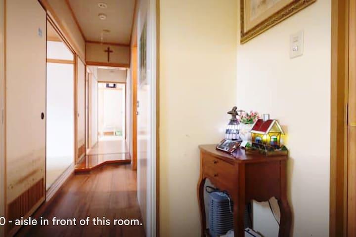 한국어가능.JR兵庫駅徒歩5分. ベッド有の畳部屋。