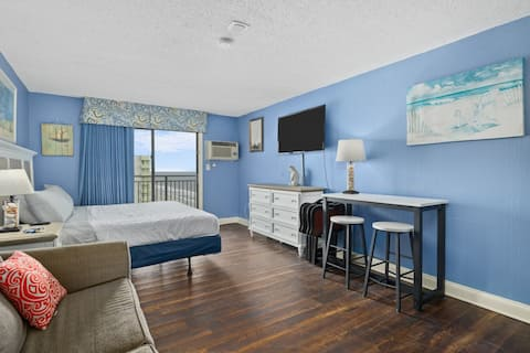 Ocean Blue, King Bed, Studio with Northern Views
