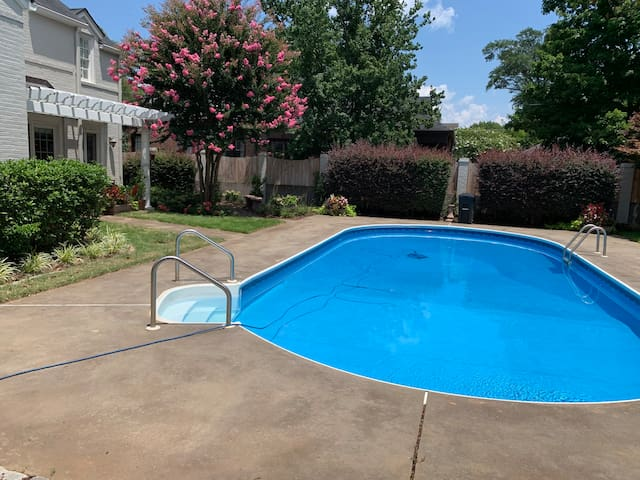 Southern Tide-Swimming Pool & Hot Tub!