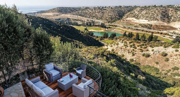 Villa Pachna with amazing golf and side sea views,