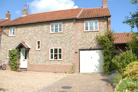 Beautiful North Norfolk cottage by the sea - Weybourne